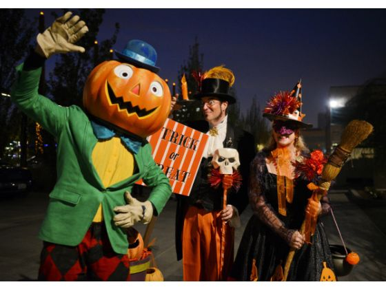 Anaheim_halloween_parade1